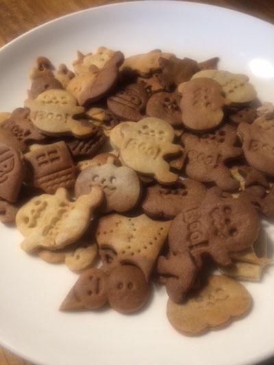 型抜きクッキーの焼き上がり