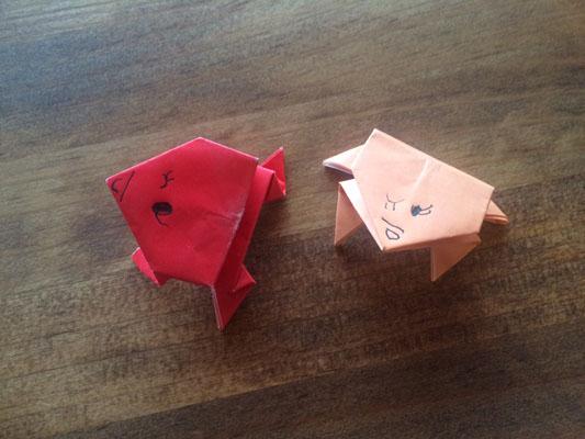 折り紙の「ぴょんぴょんカエル」
